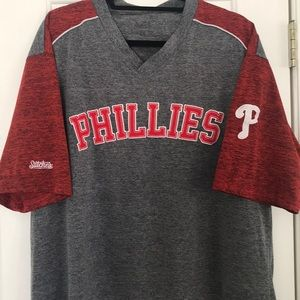 Men's XL Phillies V neck shirt by Stitches.EUC